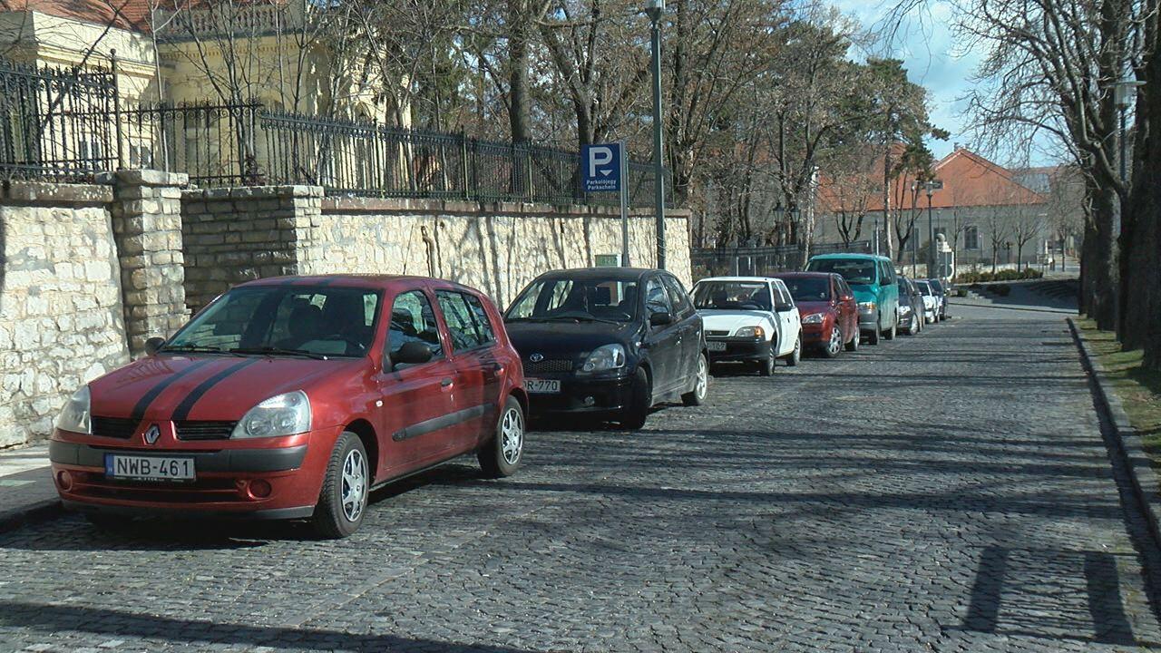 Március 15-től már fizetni kell a parkolásért