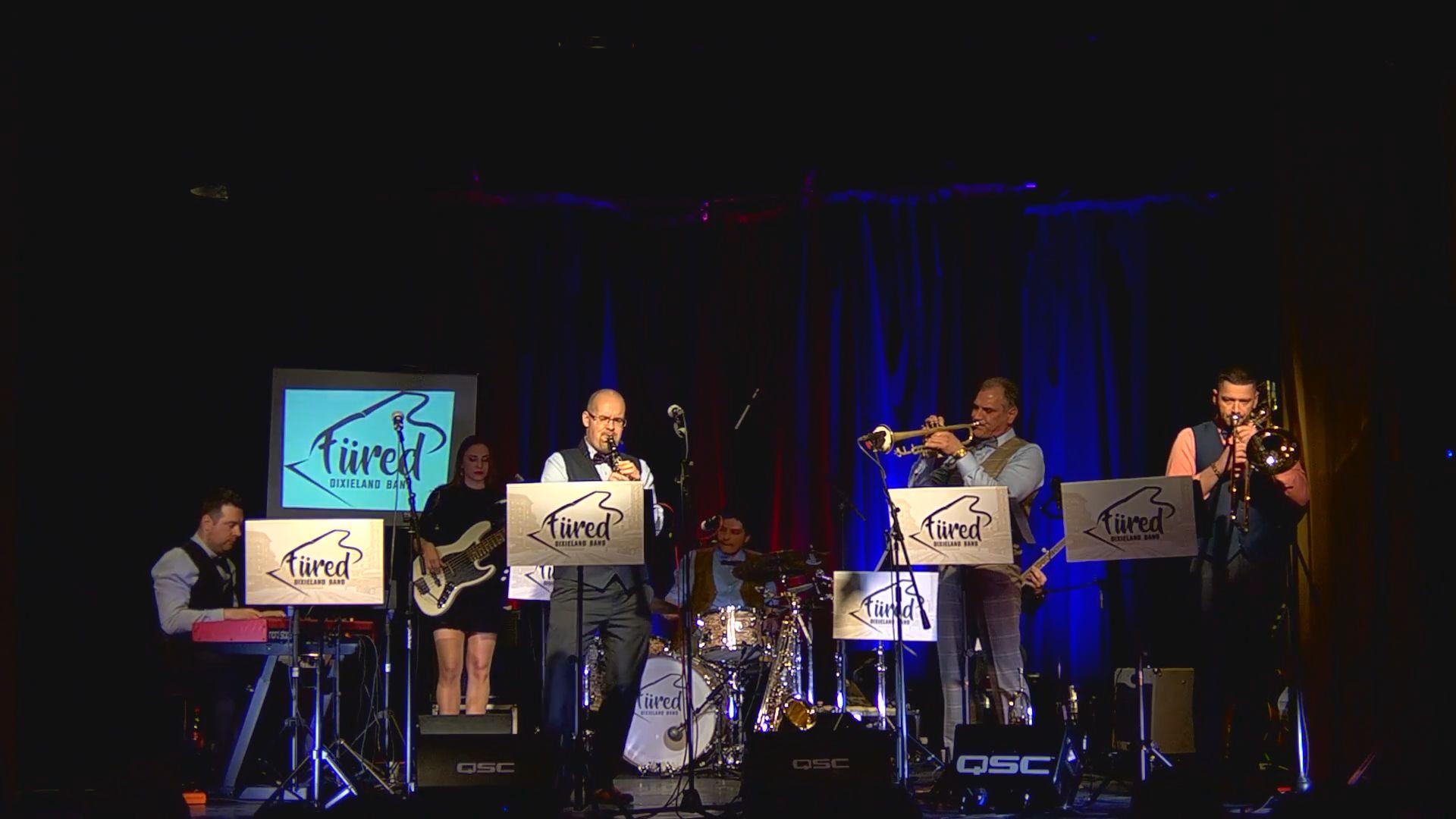 A veszprémi kórház gyermekosztályát segíti koncertjével Charlie és a Füred Dixieland Band