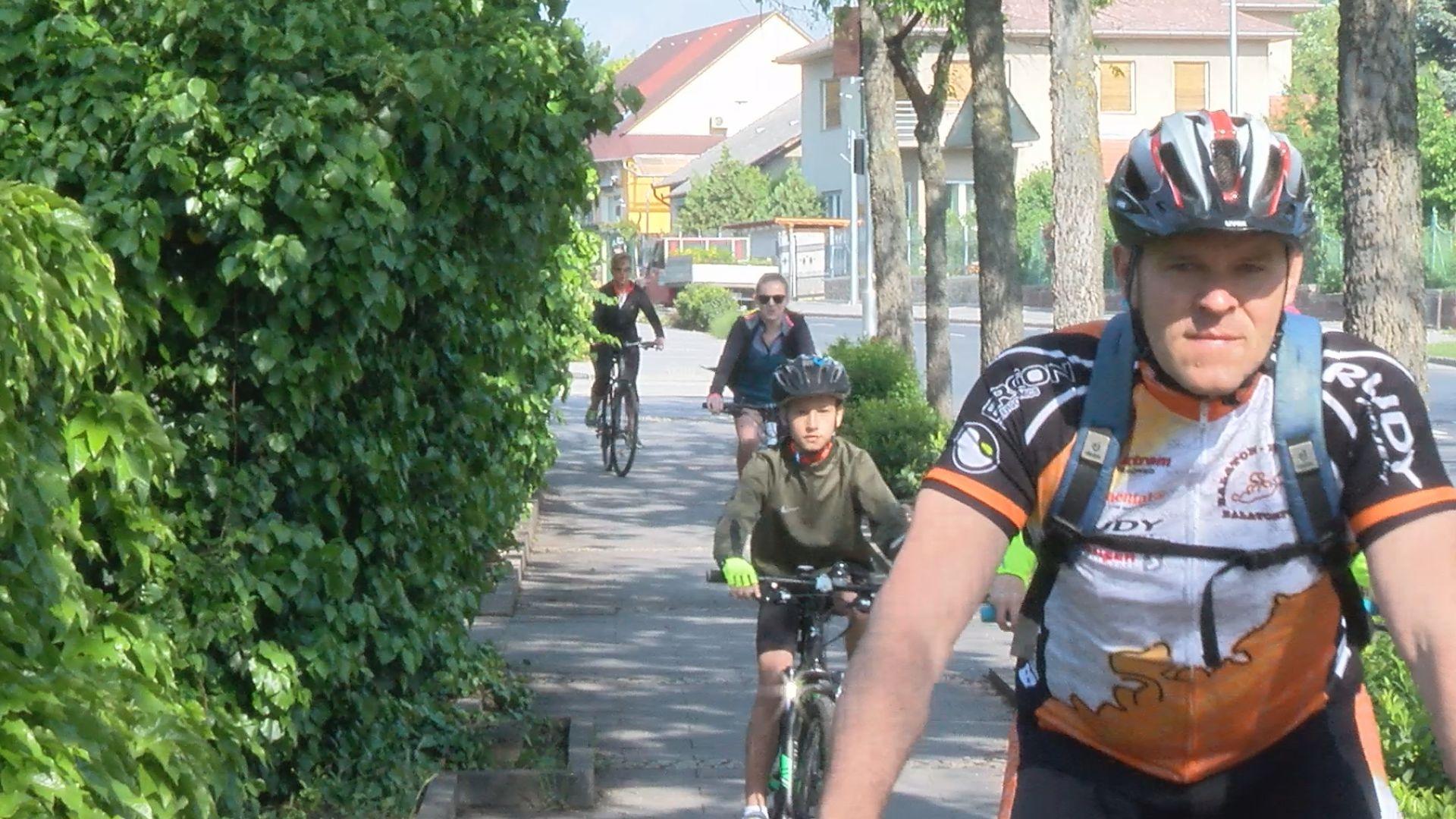 Hatodik alkalommal túráztak a kerékpárosok a Balaton-felvidéken
