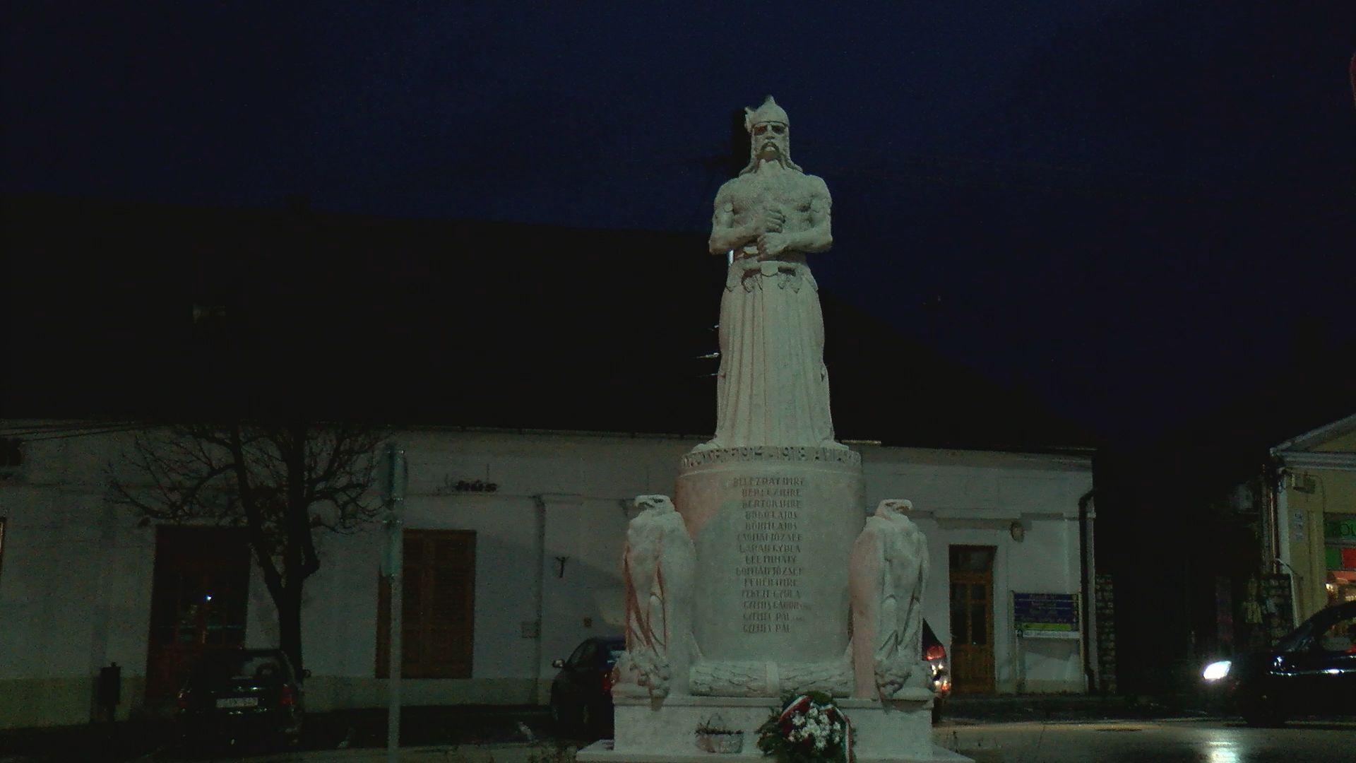 Felújították és megáldották az első világháborús emlékművet