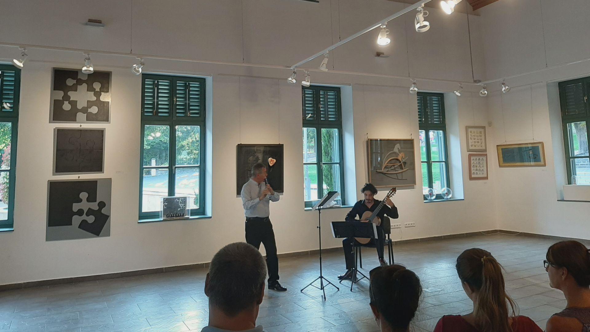 Zenei mesterkurzus és fesztivál