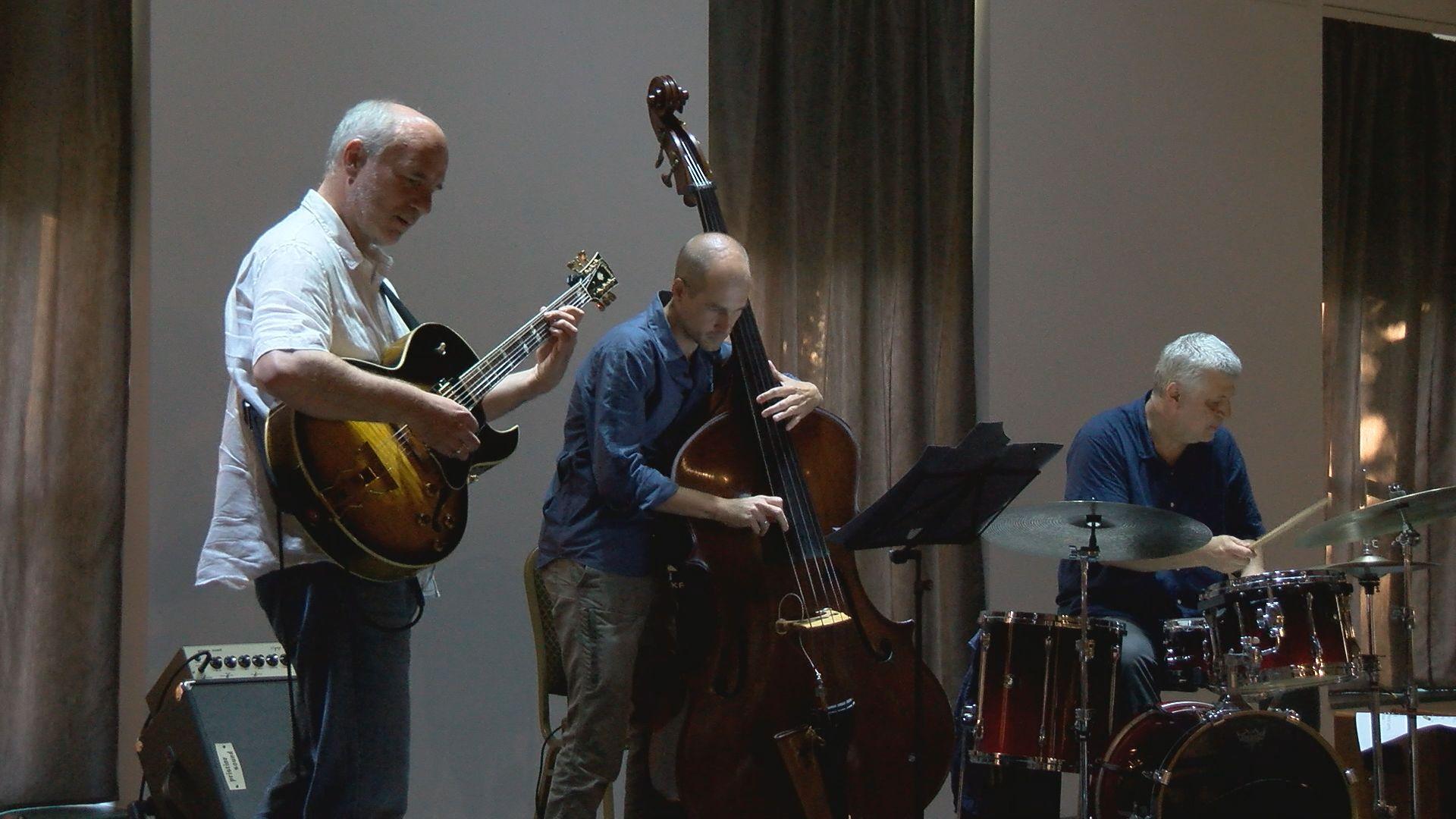 A Juhász Gábor trió a Parker Jazz Clubban