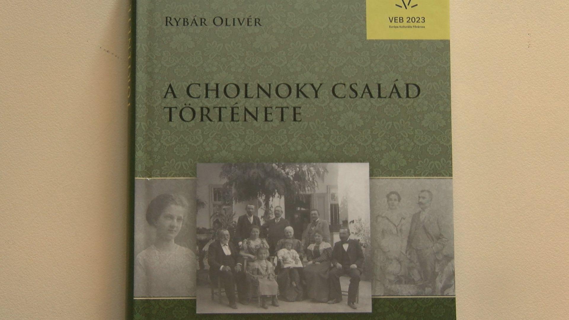 Új könyv a Cholnoky családról